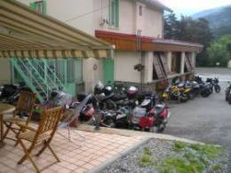 parking motard le sans souci